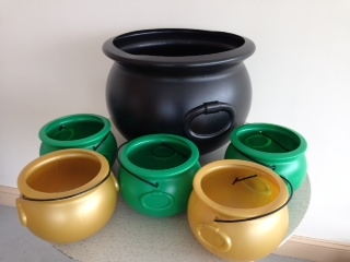 "1 Large Cauldron, Beverage Tub and 5 -8"""" cauldron's snack bowls in green & gold (Pot-O-Gold)"